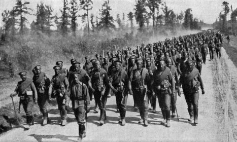 Russian troops going to the Eastern Front.