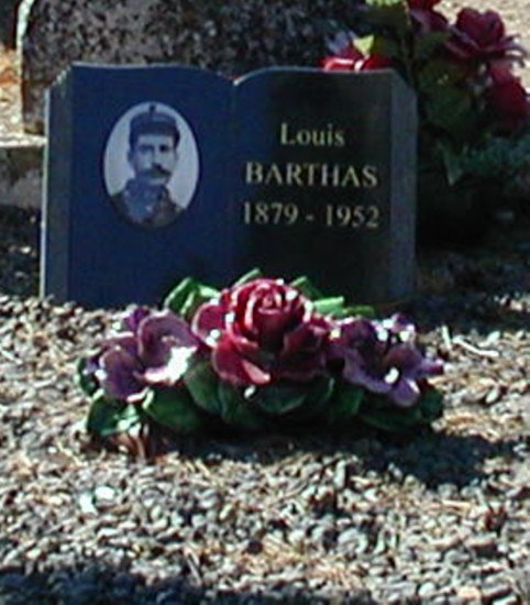 Grave of Louis Barthas. Detail of public-domain photo by Fredton.*