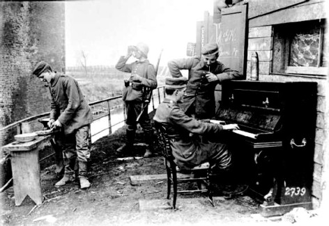 German troops relaxing, Arras front, 1917.