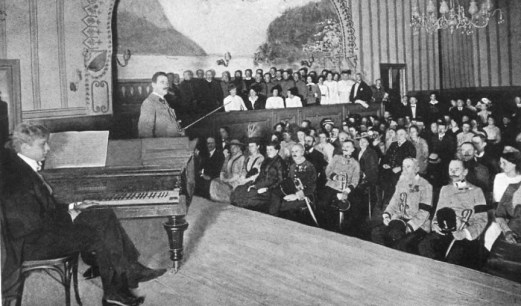 Concert given in support of the Red Cross, shortly before departure for the front. Kreisler with violin.
